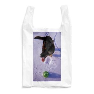 雪と玩具と犬 Reusable Bag