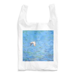 イカルチドリの飛ぶ川面 Reusable Bag