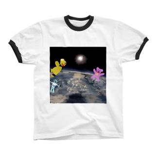 宇宙を旅するくまさん「成層圏(高度20,000m)」 Ringer T-shirts
