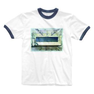 教室 Ringer T-shirts