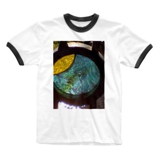 モニュメント・ブルー Ringer T-shirts