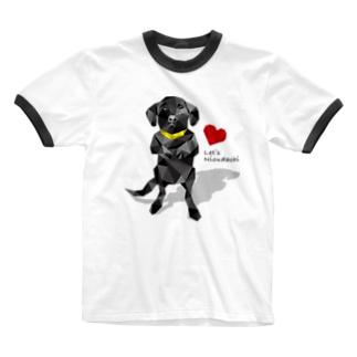 黒ラブの仁王立ち Ringer T-shirts