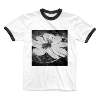 コスモス(Black and White) Ringer T-shirts
