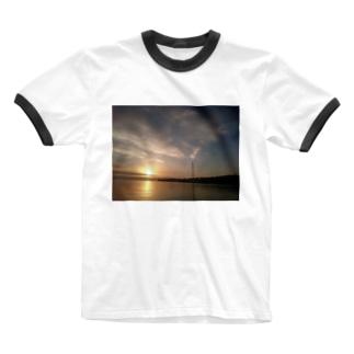 Wort_colonの夕焼け 海 Ringer T-shirts