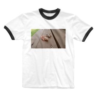 仲良しカエル日和 Ringer T-shirts