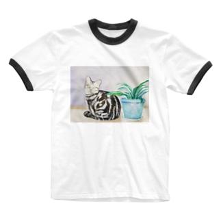 ポアロと植え木鉢 Ringer T-shirts