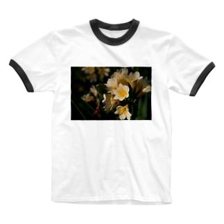 ユリ科の花 Ringer T-shirts