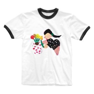 鉢植え中の女性 Ringer T-shirts