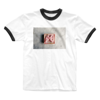 yaksok pink truth Ringer T-shirts