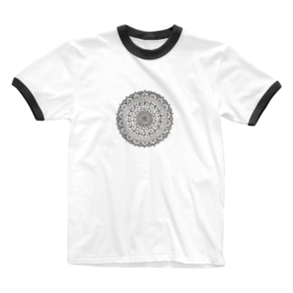 Mandala 内にひそむ遊び心 Ringer T-shirts
