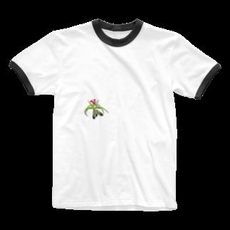 Drecome_Designのいたずらデザイン(ちょっとハナグモついてますよ) Ringer T-shirts