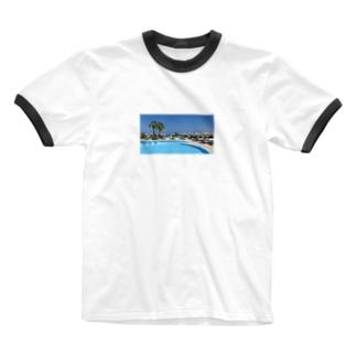 プールサイドで Ringer T-shirts