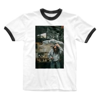 孤独 Ringer T-shirts