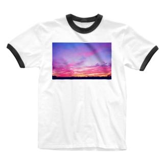 DOLUXCHIC RAYLOのPink Sunset sky Ringer T-shirts