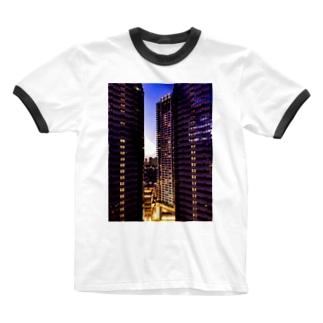 高層ビル群、夜景 Ringer T-shirts