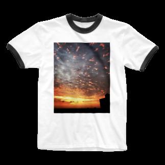 ANGOのサンライズ、サンセット、朝焼け、夕焼け Ringer T-shirts