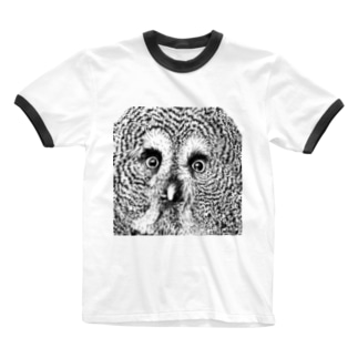 つぶらな瞳のカラフトフクロウ Ringer T-Shirt