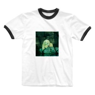 物憂げなしろくま Ringer T-shirts