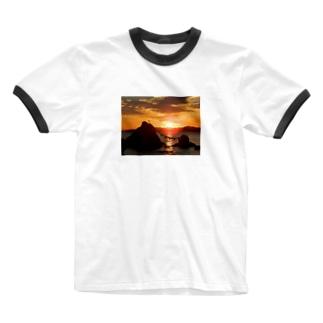 ほぼひめ。の二見浦の日の出 Ringer T-shirts