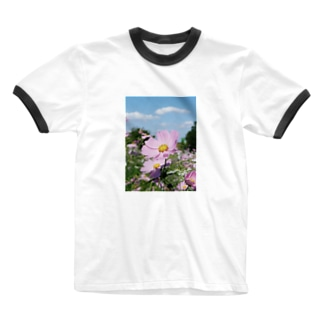 ピンクのコスモス Ringer T-shirts