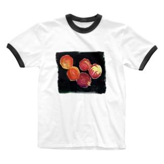海外のスーパーで売ってそうな桃 Ringer T-shirts
