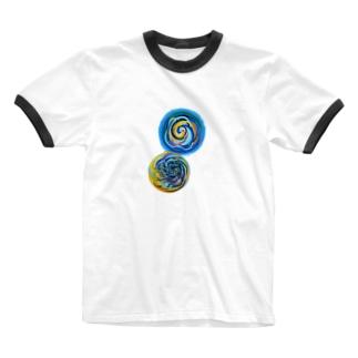 相互引力イラスト Ringer T-shirts