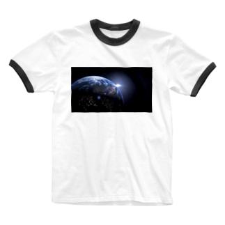 地球 Ringer T-shirts