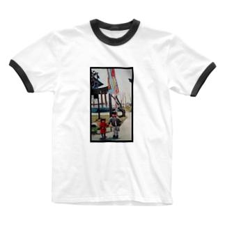 赤ちゃんおてて 黒枠 Ringer T-shirts