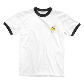 プリンから抜け出せない牛 Ringer T-Shirt
