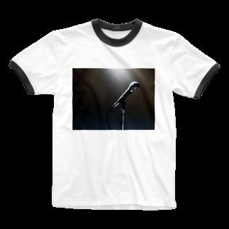 Teatime ティータイムのボーカリスト ステージ マイク スポットライト Ringer T-shirts