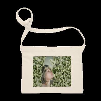 ミノリストアのyurina&Clematis サコッシュ