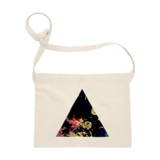 ▲5【三角形の穴】  Sacoches