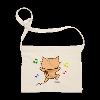 eigoyaのすきっぷする茶トラ猫 Sacoches