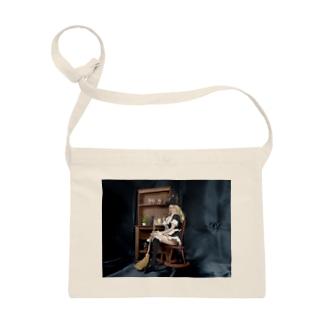 ドール写真:箒を持つブロンドの魔女 Doll picture: Pretty witch has a broom Sacoches