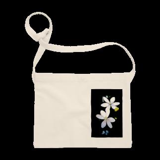 はんぐるぐるぐるの道端の花 白花 Sacoches