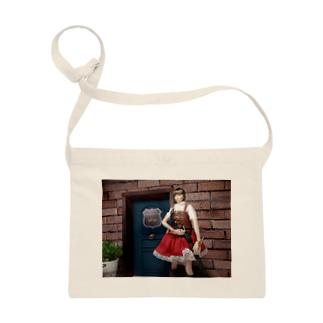 人形写真:冒険者ギルド「銀の船」の前に立つ美少女冒険者 Doll picture: Pretty adventurer at the guild Sacoches
