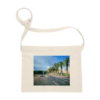 モロッコ:椰子の並木道 Morocco: Palm Tree-Lined Street Sacoches