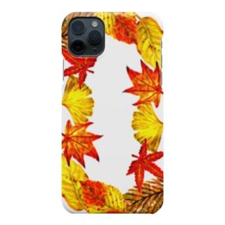 秋の足もと Smartphone cases