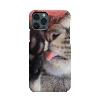 ドアップ猫ちゃん Smartphone cases