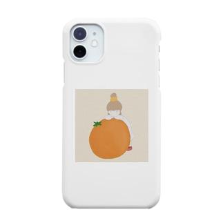 女の子と大きなみかん。 Smartphone cases