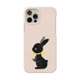 くろうさぎちゃん Smartphone cases