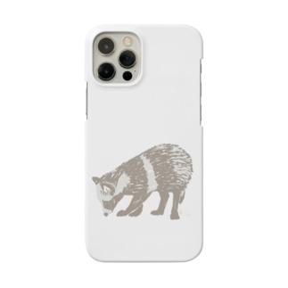 足元が気になるたぬき Smartphone cases