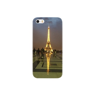 Eiffel Tower after the rain Smartphone cases