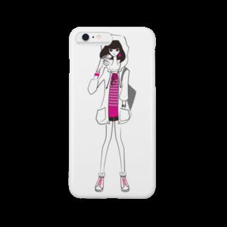 tomokomiyagamiのピラミッドスタッズボーダーTを着た女の子 スマートフォンケース