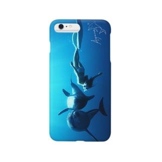 イルカと泳ぐということ Smartphone cases
