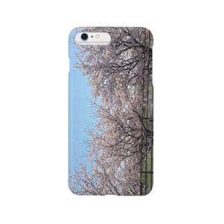 桜を連れて出かける Smartphone cases