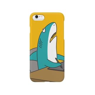 限界が来ているサメ Smartphone cases