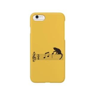 ネコ、音符にイタズラ (Y) スマートフォンケース