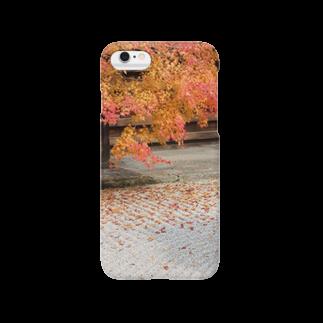 シンプルショップの秋の紅葉 Smartphone cases