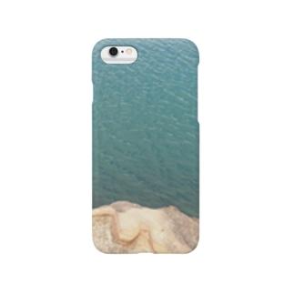 海と岩とのコンポジション Smartphone cases